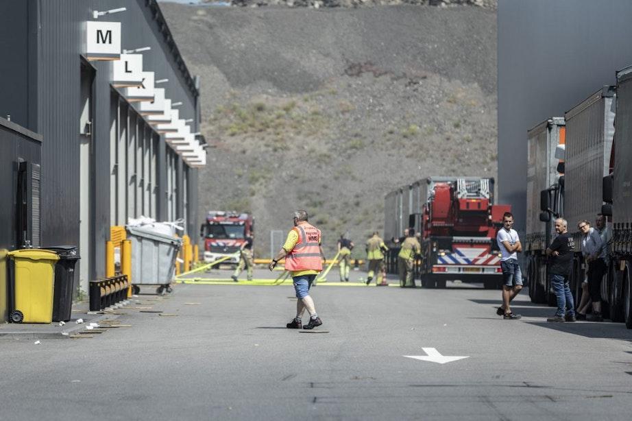 Grote brand bij bouwmarkt Stiho op Utrechts bedrijventerrein Lage Weide