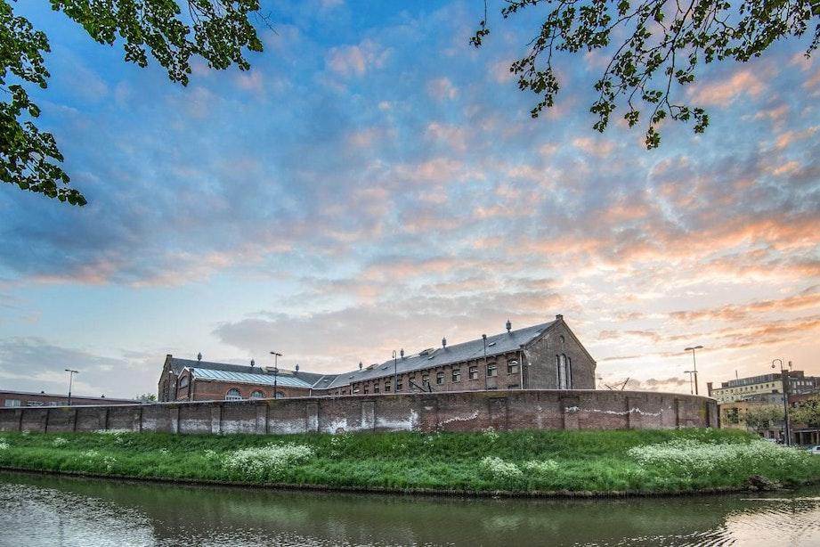 Gevangenis Wolvenplein klaar voor transformatie; sleutels overgedragen aan gebiedsontwikkelaar AM