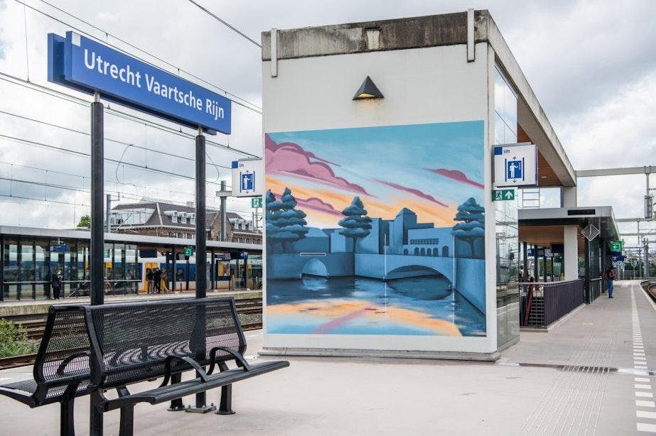 Nieuwe muurschildering op station Utrecht Vaartsche Rijn