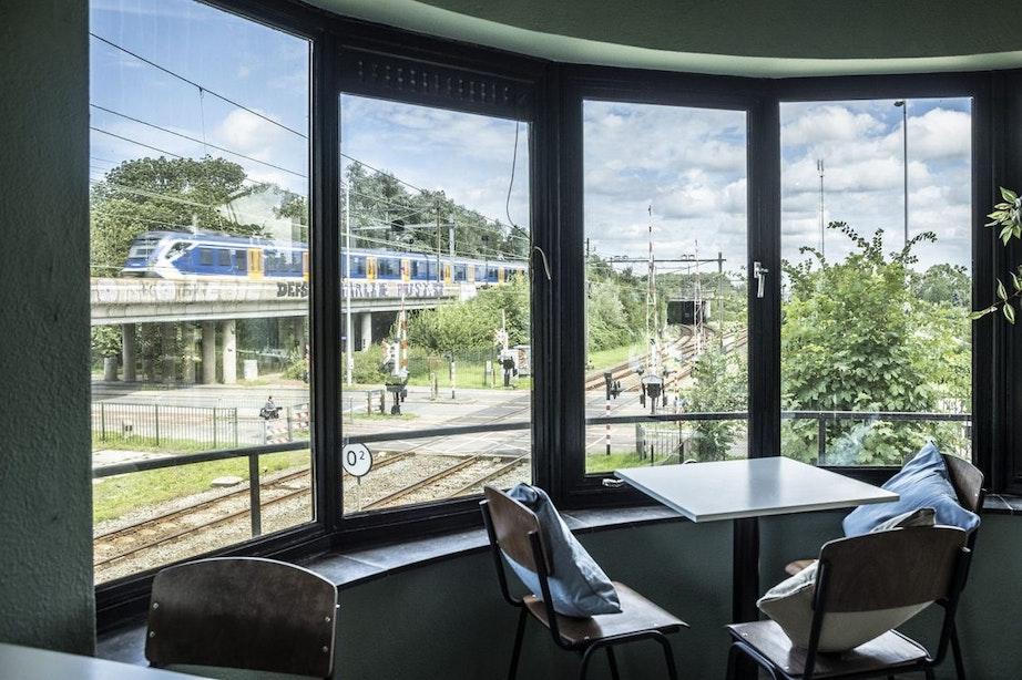 Horecazaak Mevrouw Peer opent in monumentaal seinhuis Blauwkapel in Utrecht
