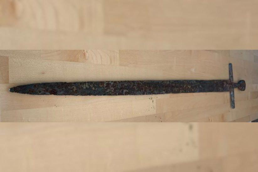 Utrechter had nog 800 jaar oud zwaard in huis liggen: Rijksdienst voor het Cultureel Erfgoed zeer blij met vondst
