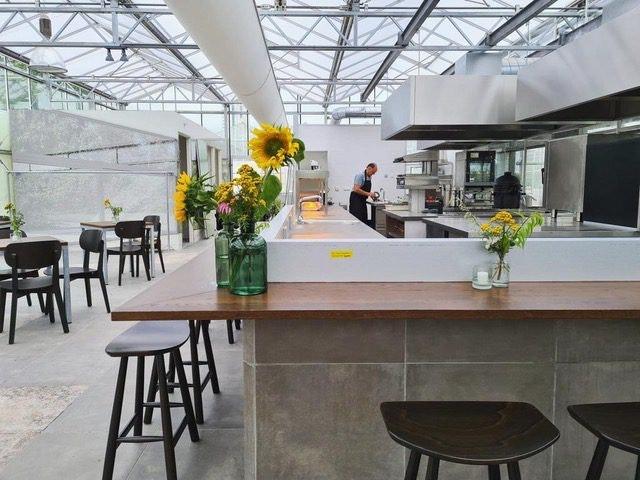 Nieuw 'kasrestaurant' Stadsjochies opent aan de Rijndijk met topchef André van Doorn in de keuken