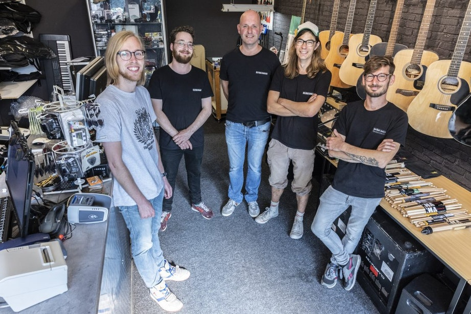 Op bezoek bij The Music House: 'We staan bekend om het repareren van vintage synthesizers'
