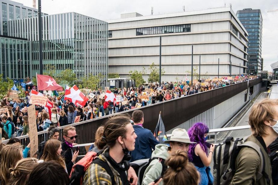 Honderden jongeren in Utrecht voor klimaatstaking