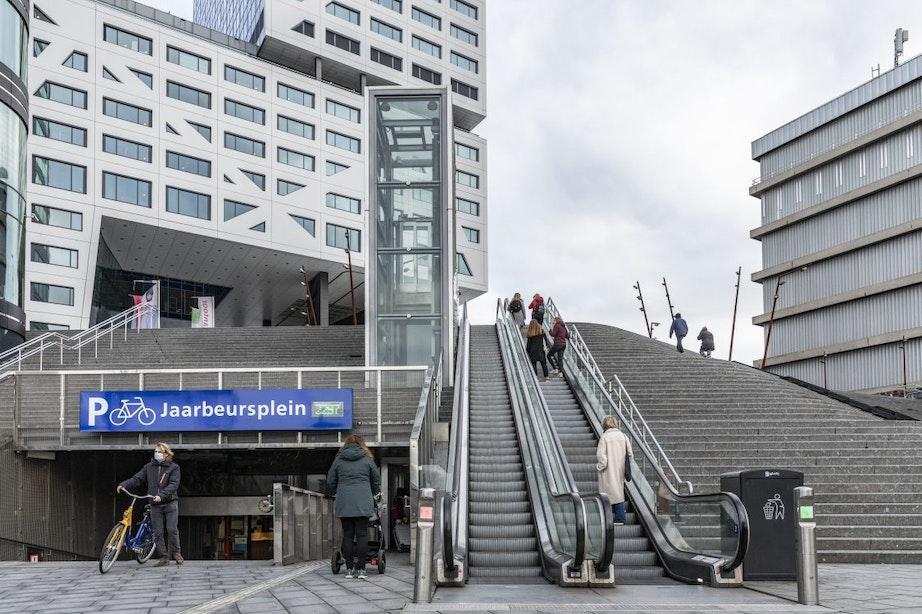 Roltrappen Jaarbeursplein nog tot half november buiten werking; trappen worden vanaf 18 oktober vervangen