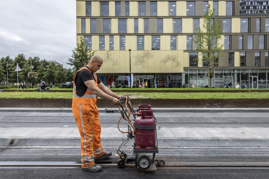 Dit weekend zijn de laatste werkzaamheden aan de tram- en busbaan Utrecht Science Park
