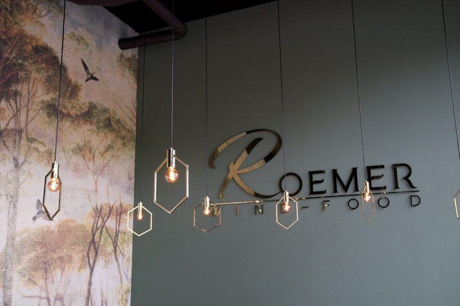 Restaurant en wijnbar Roemer opent deze week aan Berlijnplein in Utrecht