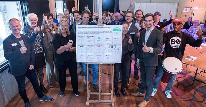Handtekeningen onder stadsakkoord voor een beter toegankelijk Utrecht
